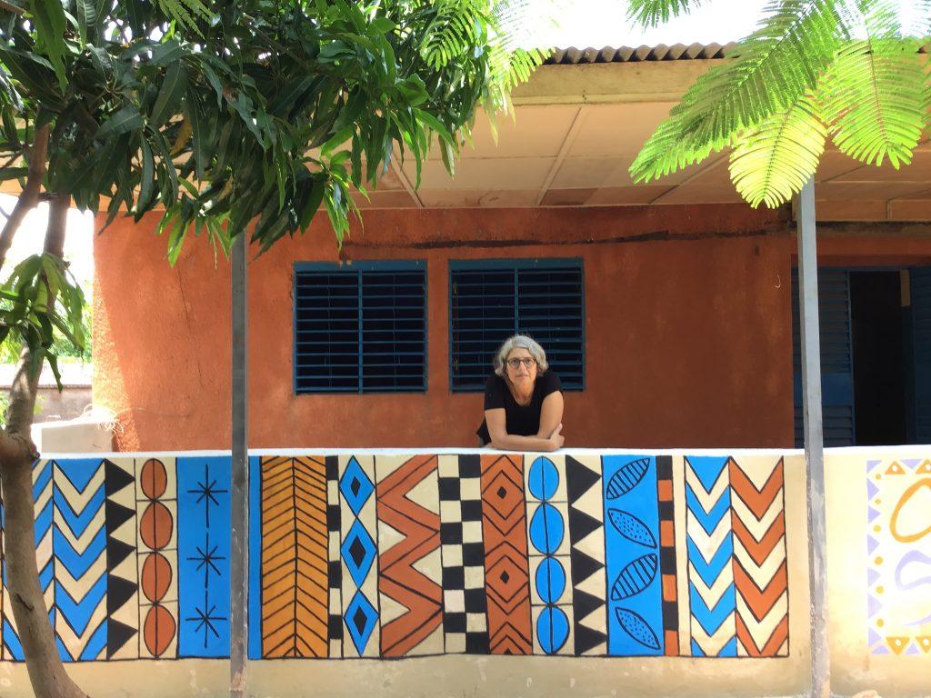 Montse en la sede de Catsya en BurkinaFaso
